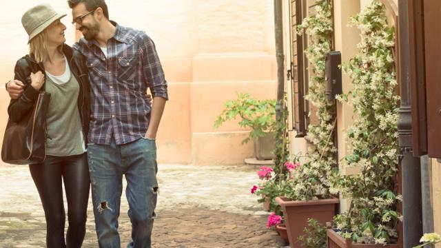8 Ways Happy Couples Stay Happy